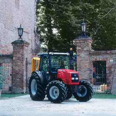 Vásárolni Traktorok MF 2400