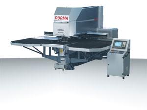 Vásárolni RP típusú CNC vezérlésű stancoló- és nibbelőgép