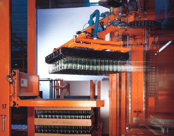 Vásárolni Teljes- és részben automata palettázók az üresüveg ipar számára.