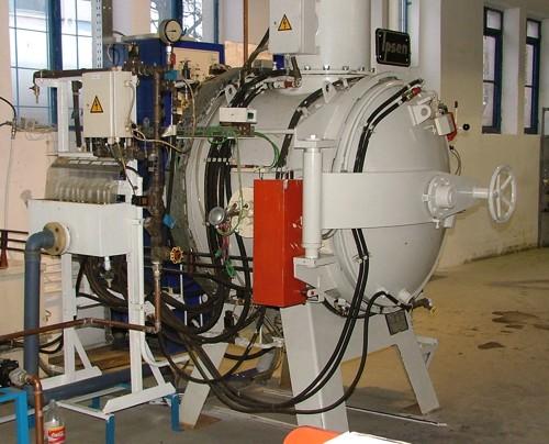 Vásárolni IPSEN VFCK-124 típusú vákuum hőkezelő kemence