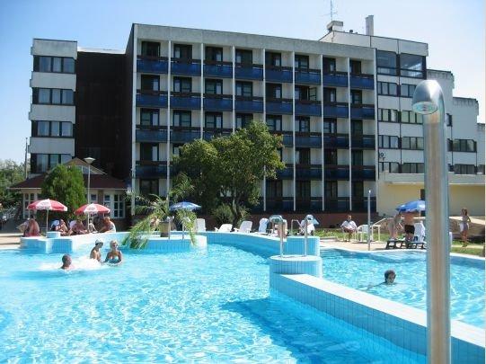 Vásárolni Готовый гостиничный бизнес с термальными водами для вложения в ЕС.
