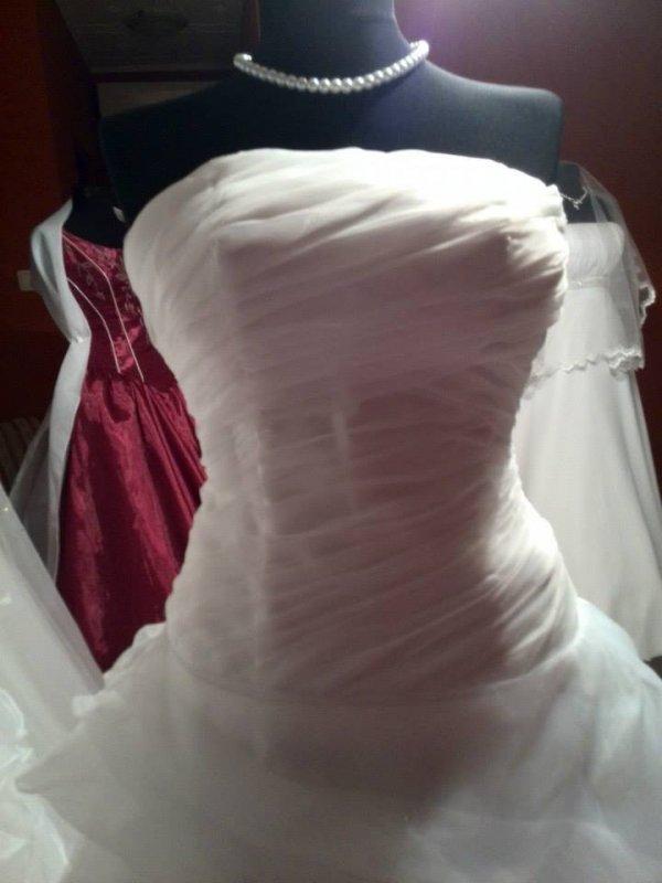 Vásárolni Haznált esküvői ruha vásárlása