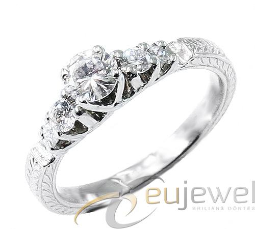 Vásárolni Aranygyűrű gyémántal