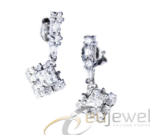 Vásárolni Arany fülbevaló gyémántal