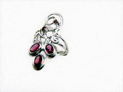 Vásárolni Gyűrű rubinnal