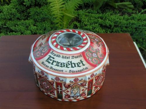 Vásárolni Édességek dekoratív csomagolásban