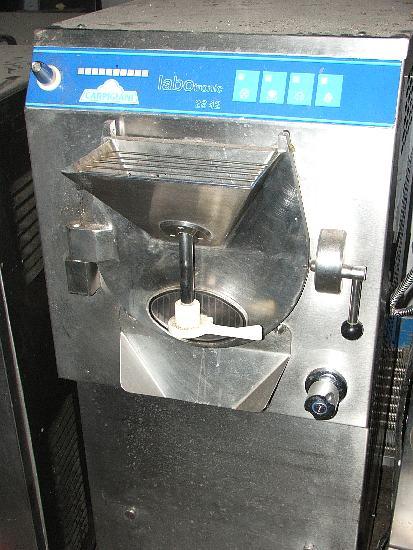 Vásárolni Аutomata fagylalt fagyasztó gép