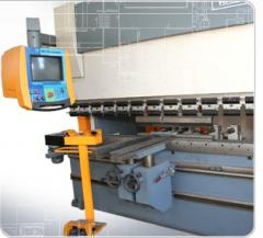 LDT típusú lineáris töltő-záró csomagológép