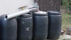 Felszíni esővízgyűjtők tartályok