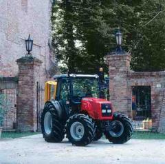 Traktorok MF 2400