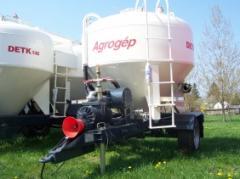 DETK-143 traktorvontatású takarmányszállító
