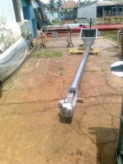 Conveyors screw