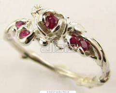 Drágaköves gyűrűk