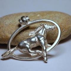 Lovas ezüst medál