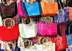 Exkluzív pamut-, zsinór-, és piskótafüles táskák