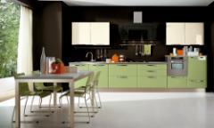 Fényes konyhabútor, sima felületű, színes
