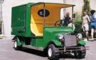 Hosszu dobozos elektromos teherszállitó autó