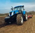 T7 traktorszéria