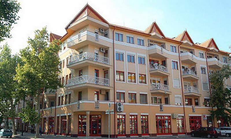 Megrendelés Csaba center lakóegyüttes, üzletek, garázsok