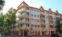 Csaba center lakóegyüttes, üzletek, garázsok