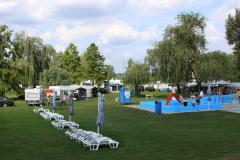 Kemping – szolgáltatások Termálfürdő területén helyezkedik el a 100 férőhelyes Napfény Camping. Lakókocsik és sátrak befogadására egyaránt alkalmas.